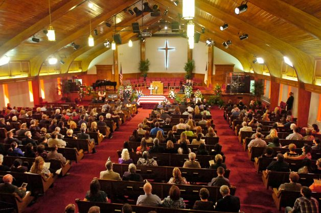 A common American Evangelical church service